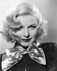 a Chic Life: ICON Ginger Rogers and her glamorous Hollywood Golden Age bombshell beauty Old Hollywood Glamour, Golden Age Of Hollywood, Vintage Hollywood, Hollywood Stars, Classic Hollywood, Hollywood Cinema, Hollywood Icons, Ginger Rogers, Divas