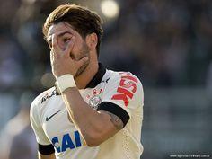 Fim do mistério! Zagueiro do Corinthians revela comemoração de Pato - Yahoo! Esporte Interativo