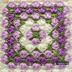 Crochet Puff stitch Square blanket pattern: Diagram + step by step instructions, 3 Color combinations. Crochet Square Blanket, Crochet Square Patterns, Crochet Blocks, Crochet Stitches Patterns, Crochet Squares, Crochet Designs, Granny Squares, Picot Crochet, Crochet Motifs