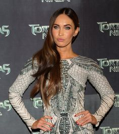Pin for Later: How to Achieve Lucy Hale's Enviable Eyelashes Megan Fox Megan's skin looked flawless thanks to well-applied highlighter and great genes at the Mexico City premiere of Teenage Mutant Ninja Turtles.