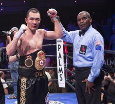 Der ehemalige Halbschwergewichts Weltmeister Beibut Shumenov gewann gestern Nacht in Las Vegas den Interims WM Gürtel der WBA gegen den Amerikaner BJ Flores.