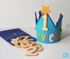 No hace falta esperar al día de su cumpleaños para regalar una corona, también puede ser un bonito regalo de nacimiento. Ahora Xavier ya tiene la suya que podrá