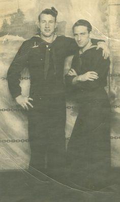 Vintage Couples, Cute Gay Couples, Couples In Love, Vintage Men, Lesbian Couples, Vintage Photographs, Vintage Photos, Sexy Military Men, Victorian Gentleman