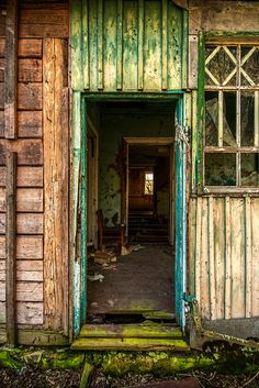 Seen near the southern end of the Chernobyl Exclusion Zone.    Long Abandoned, via Flickr.