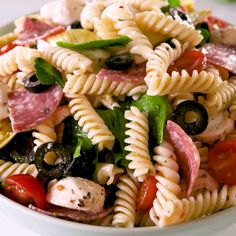 Don't show up to a summer hangout without the pasta salad. Don't show up to a summer hangout without the pasta salad. Healthy Snacks, Healthy Eating, Healthy Recipes, Salami Recipes, Cheap Recipes, Yummy Recipes, Clean Eating, Pasta Salad Italian, Picnic Foods