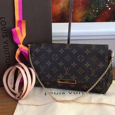 Authentic Louis Vuitton Favorite MM Monogram Selling an authentic Louis  Vuitton Favorite MM in brown monogram. Louis Vuitton CrossbodyCrossbody BagsGivenchy  ... 38647b790459e