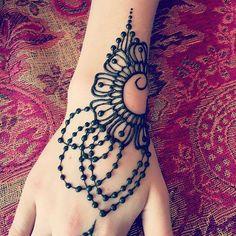 WEBSTA @ hennabeedesigns - Henna Design #henna #mehndi #hennadesign #hennaart…