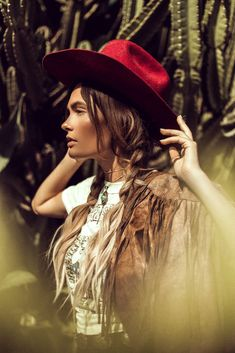 Drenched in History: My favorite VINTAGE finds – Officially Quigley, western, cowboy hat, turquoise, concho belt, fringe, leather, braids, ombre, blogger, style, photoshoot