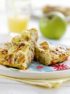 Potato, Bramley Apple, Herb and Tuna Frittata Egg Recipes, Brunch Recipes, Bramley Apple Recipes, Best Picnic Food, Brunch Food, Omelettes, Cooking With Kids, Frittata, Starters