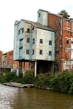 Warehouse on the canal, Gloucester.