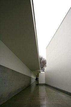 Serralves, Álvaro Siza, Oporto. Pins that leave us wondering...what the heck is this?
