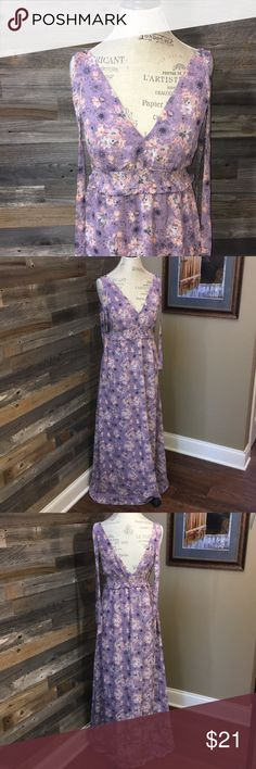 "Victoria Secret purple floral maxi dress size S Victoria Secret purple floral maxi dress. Size Small. The top features removable pad insets. The back has a deep V. There is an elastic waistline. This is fully lined. No flaws and in excellent condition. Measurements are taken flat and are approximate. Bust 17"", waist (un-stretched) 13.5"", length 58"". Victoria's Secret Dresses Maxi"