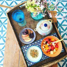 Breakfast bowl Blueberries, Strawberries, Breakfast Bowls, Good Mood, Almonds, Granola, Fruit Salad, Baking Recipes, Dates