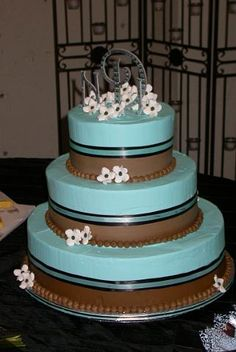 Two Tone Frosted With Dogwood Flowers Wedding Cake By Pm Www Pmcakes Toledo Ohiodogwood