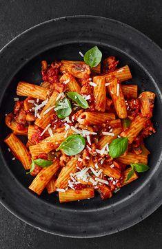 Spicy sausage rigato