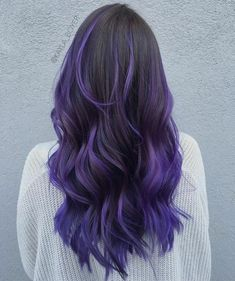 Ombre Hair and Purple Ombre Surely you have noticed how popular purple ombre can be. And today we will talk about what shades of hair purple ombre combine. We will also discuss how to create a purp… Purple Hair Highlights, Purple Balayage, Hair Color Purple, Hair Dye Colors, Cool Hair Color, Black To Purple Ombre, Color Highlights, Purple Hair Tips, Lilac Hair
