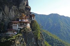 11 Famous Buddhist Temples and Their Legends: 1. Taktsang: The Tiger's Nest