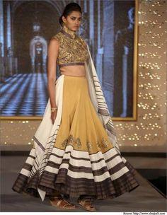 The Hindu Bridal Mantra - Indian Bridal Wear, Bridal Sarees, Lehengas
