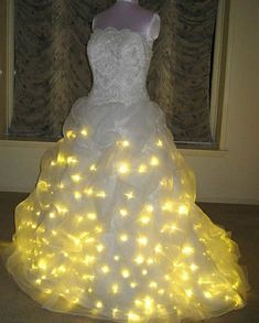 12 of the Most Bizarre Wedding Dresses - funny wedding dresses, strange wedding dresses - Oddee Funny Wedding Dresses, Ugly Wedding Dress, Worst Wedding Dress, Unusual Wedding Dresses, Yellow Wedding Dress, Funny Dresses, How To Dress For A Wedding, Exotic Wedding, Formal Dresses For Weddings