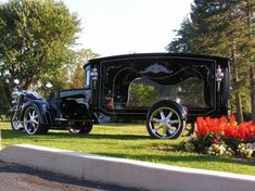 Harley Davison Motorcycle Hearse. Would love my last ride to be in this.