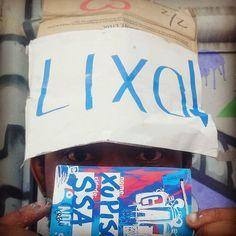 📸@jspinho_ ... #gaf #graffitiartefeira2016 #graffitiartefeira #tecnorganics #artistalixo #lixo #xupisco #sr.ixlutx #ixlutx #lixoarte #GAF #sub_urbanos #nova10ordem #Fsa #feiradesantana #evento #encontro