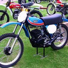 OSSA Phantom.  #vintagemotocross  # motocrosshistory #motocross # ossa  España #spanishmotocross Mx Bikes, Motocross Bikes, Vintage Motocross, Vintage Bikes, Vintage Motorcycles, Cars And Motorcycles, Off Road Bikes, Enduro, Street Tracker