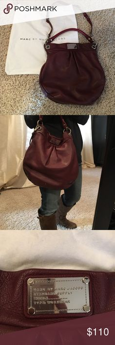 Marc by Marc Jacobs Classic Q Hillier hobo Great condition Marc by Marc Jacobs Classic Q hobo in a beautiful burgundy color perfect for fall! Marc by Marc Jacobs Bags Hobos