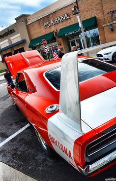 Dodge Charger Classic Cars Background on Amazing Cars Photo 9703 Muscle Cars Dodge, Dodge Daytona 1969, Buick, Hot Wheels, 1969 Dodge Charger Daytona, Automobile, Dodge Srt, Car Backgrounds, Us Cars