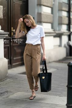 WOOLEN TROUSERS IN CAMEL - FashionMugging