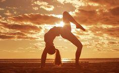 Bend over backwards to get what you want. You'll be glad you did. . . . . . . . #yogi #goals #relationshipgoals #practice #hippychic #girlswithabs #fitfam #run #soul #mala #gymnast #dancer #traveltheworld #iamvibes #yogapants #yogaliving #yoganonymous #fitness #beagoddess #yogainspo #namaste #fitstagram #happiness #fitspiration #yogaaddict #inspiredyogi #nature #fitspo #goodvibes #activewear