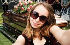 Some people just don't know when to NOT take a selfie! These are some prime examples of when NOT to take a selfie! Sorry I could not get all of the photos un. Selfies, Round Sunglasses, Mirrored Sunglasses, Sunglasses Women, Funeral, Perfect Selfie, Scenic Photography, Teen Fashion, Cool Girl