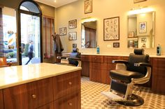 Tadpole_barber_barbershop_Interior_hair_studio_look_design_parrucchiere_acconciatore_parrucchiera_360_arredo_arredamento_padova_rockabilly_barber chair_vintage_takara_belmont_apollo II