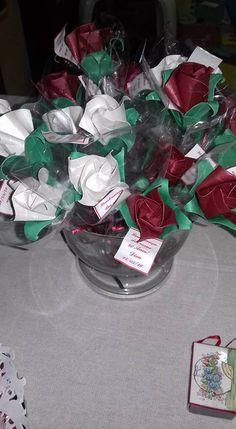 botões de rosa - brindes no aniversário de 80 anos da amiga Diva