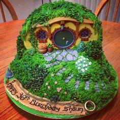 Bilbo Baggins house in the Shire -Hobbit birthday cake Pretty Cakes, Beautiful Cakes, Amazing Cakes, Cake Cookies, Cupcakes, Cupcake Cakes, Crazy Cakes, Fancy Cakes, Hobbit Cake
