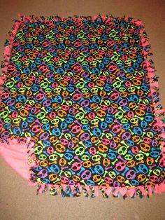 Neon Skulls w/ Pink Neon back Fleece Tie Blanket