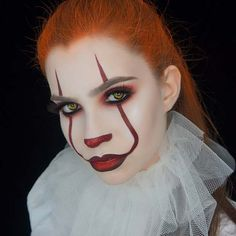 Pennywise Halloween Makeup for Women Thinking about dressing up as Pennywise this Halloween? If so, you are in the right place because we have 23 spooky and scary Pennywise makeup ideas. Pennywise Halloween Costume, Classic Halloween Costumes, Halloween Looks, Diy Halloween, Women Halloween, Halloween 2019, Demon Makeup, Creepy Makeup, Zombie Makeup