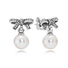 Pandora Ohrstecker Schleifchen 290596P https://www.thejewellershop.com/ #pandora #ohrschmuck #schleife #perle #jewelry #schmuck #silver #ohrstecker #pearl #silber