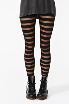 I used to have tights exectly like this, and wore them with Doc Martens as well! I used to have tights exectly like this, and wore them with Doc Martens as well! Pantyhosed Legs, Striped Tights, Pastel Outfit, Grunge Look, 90s Grunge, Grunge Girl, Stocking Tights, Doc Martens, Dark Fashion