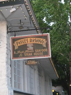 One of our favorite restaurants in Mount Dora.  Has a great outdoor bar and eating patio with great view of Lake Dora. Central Florida, Great View, Restaurants, Bucket, Patio, Crafty, Vacation, Bar, Adventure