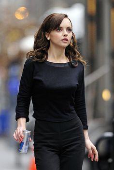 Christina Ricci - how freakin cute is she, here?!?