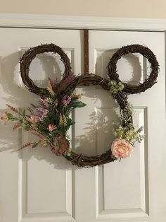 The Effective Pictures We Offer You About Disney Home Decor houses A quality picture can tell you ma Disney Home Decor, Disney Diy, Disney Crafts, Disney Mickey, Diy Wreath, Grapevine Wreath, Wreaths, Mickey Mouse Wreath, Grape Vines