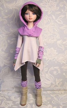OOAK Ellowyne Wilde outfit. Tunic and leggings set by RaccoonsRags via Etsy, $79.21 USD + $17.58 ship'g to US