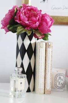 i love this black and white print with neutral colours then a splash of colour