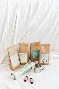 8 Zero Waste Putzmittel aus 5 Zutaten - Less Waste im Haushalt Cleaning Hacks, Diy And Crafts, Zero, Empty Bottles, Useful Life Hacks, Laundry Detergent