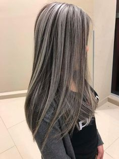 100 dark hair with heavy platinum highlights perfect when you're going grey page - Hair Colors Blonde Ideen Gray Balayage, Hair Color Balayage, Dark Hair With Highlights, Platinum Highlights, Dark Hair With Balayage, Grey Hair Lowlights, Chunky Blonde Highlights, Brown Blonde Hair, Long Grey Hair