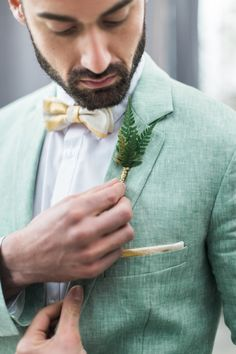 Groom Green Suit Fern Buttonhole Yellow Beige Bowtie Beard | Greenery Botanical Wedding Ideas https://lisadigiglio.com/
