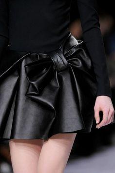 mode-chanel:    en-dior:    vogue-struck:    Viktor & Rolf, fall 2013    wow    TumbleOn)  ahhh this leather skirt <3