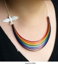 Jewelry: rainbow - DIY necklace for kids to make (minus dove if you can't find it) Jewelry Crafts, Handmade Jewelry, Unique Jewelry, Luxury Jewelry, Jewelery, Jewelry Necklaces, Diy Collier, 3d Laser, Bijoux Diy