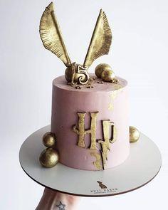 Harry Potter Desserts, Gateau Harry Potter, Cumpleaños Harry Potter, Harry Potter Birthday Cake, Harry Potter Theme Cake, Harry Potter Cupcakes, Pretty Birthday Cakes, My Birthday Cake, Birthday Cakes For Girls