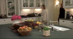 """Love the Hamptons beach house from the Diane Keaton movie """"Something's Gotta Give""""? Here's a closer look at the sets designer Beth Rubino created for it. Beach House Kitchens, Home Kitchens, Something's Gotta Give House, Classic Kitchen, Hm Home, Modern Country Style, Cocinas Kitchen, Real Kitchen, Home Interior Design"""